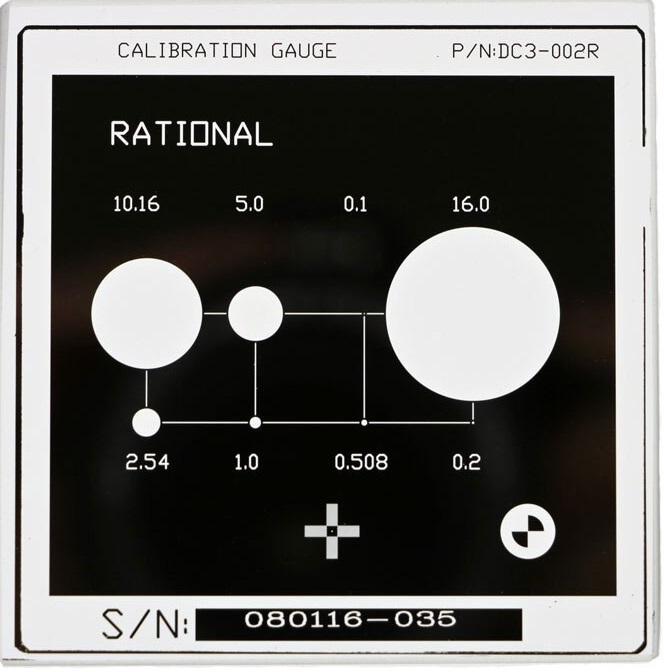 Tấm kính chuẩn – Bảng hiệu chuẩn kính quang học máy đo 2D