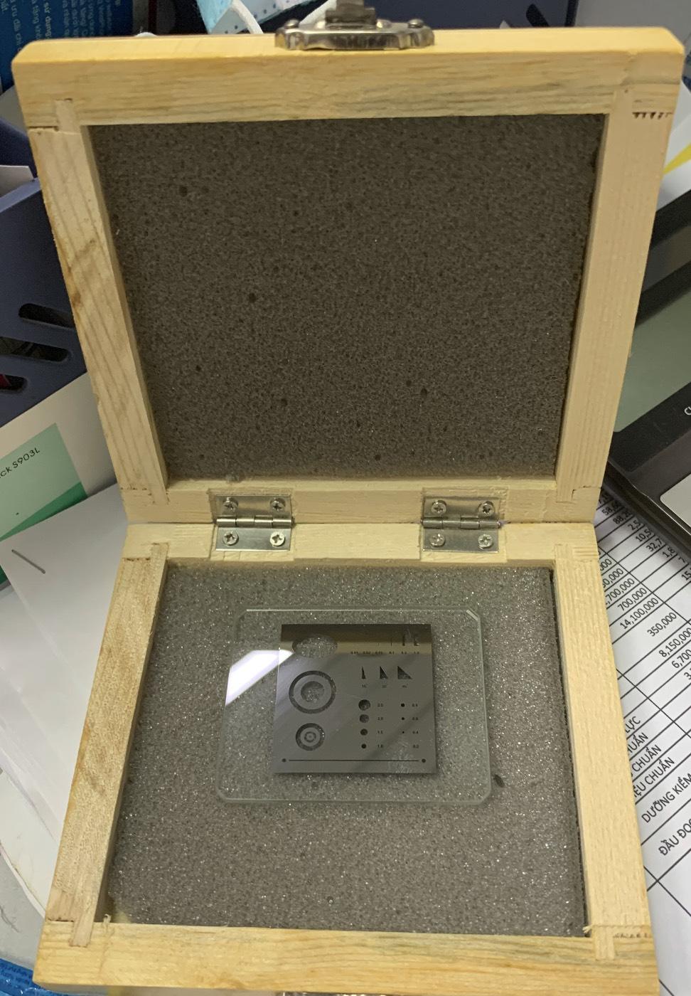 Tấm kính hiệu chuẩn máy đo 2D, 3D
